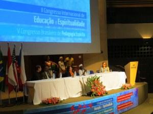 Mesa inter-religiosa no V Congresso Brasileiro de Pedagogia Espírita e II Congresso Internacional de Educação e Espiritualidade, promovido pela Associação Brasileira de Pedagogia Espírita (abril de 2014)